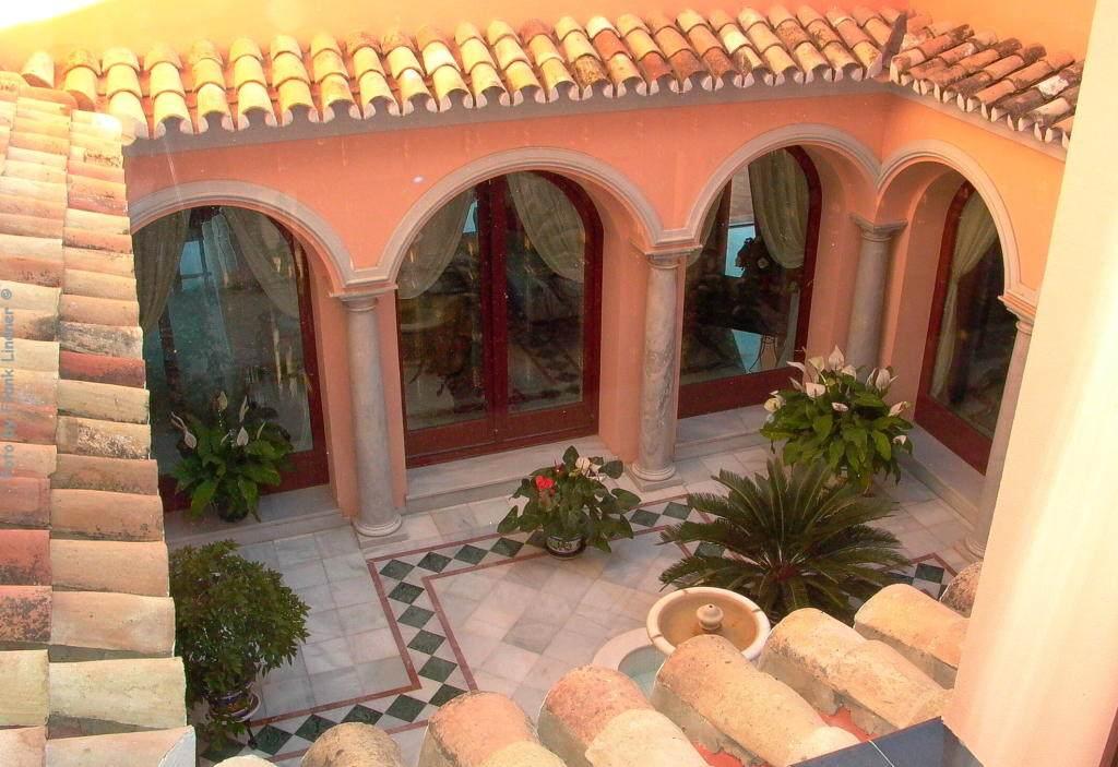 Marbella-luxury-villa.10.jpg